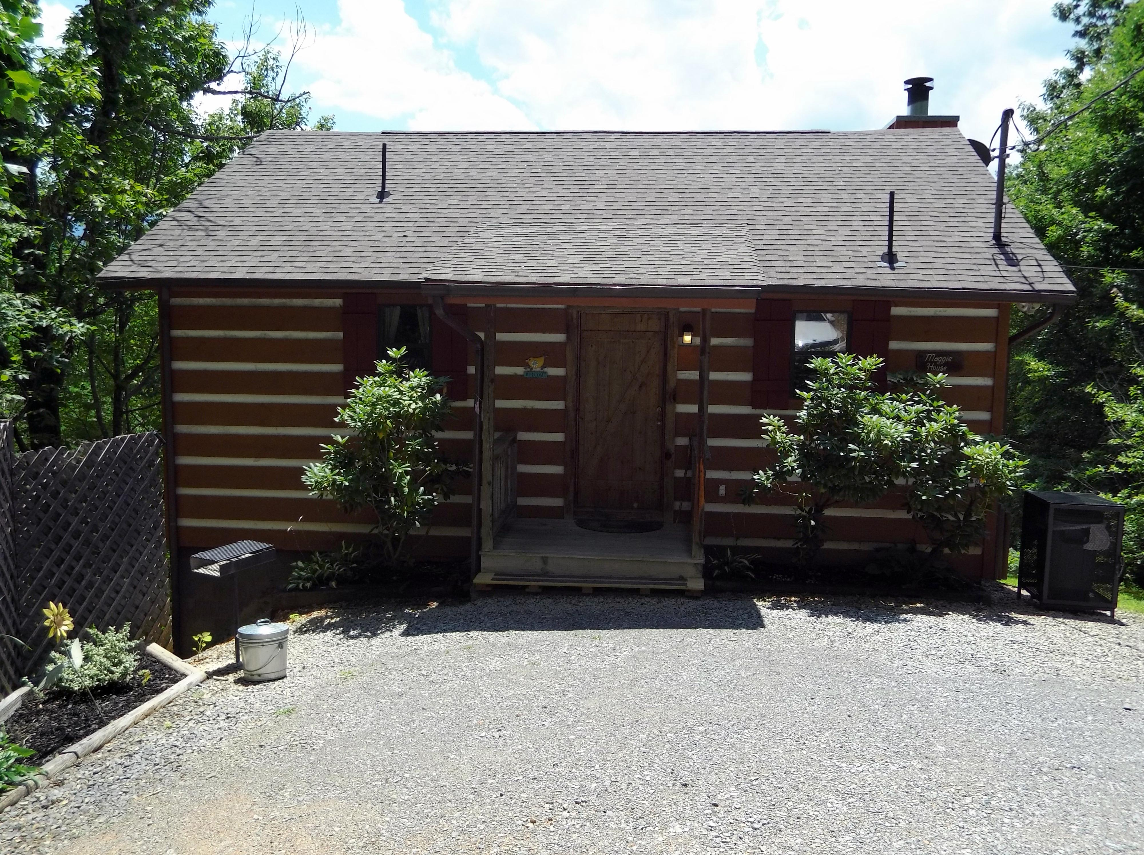 by gatlinburg large view cabin cabins online lodge bears mountain five