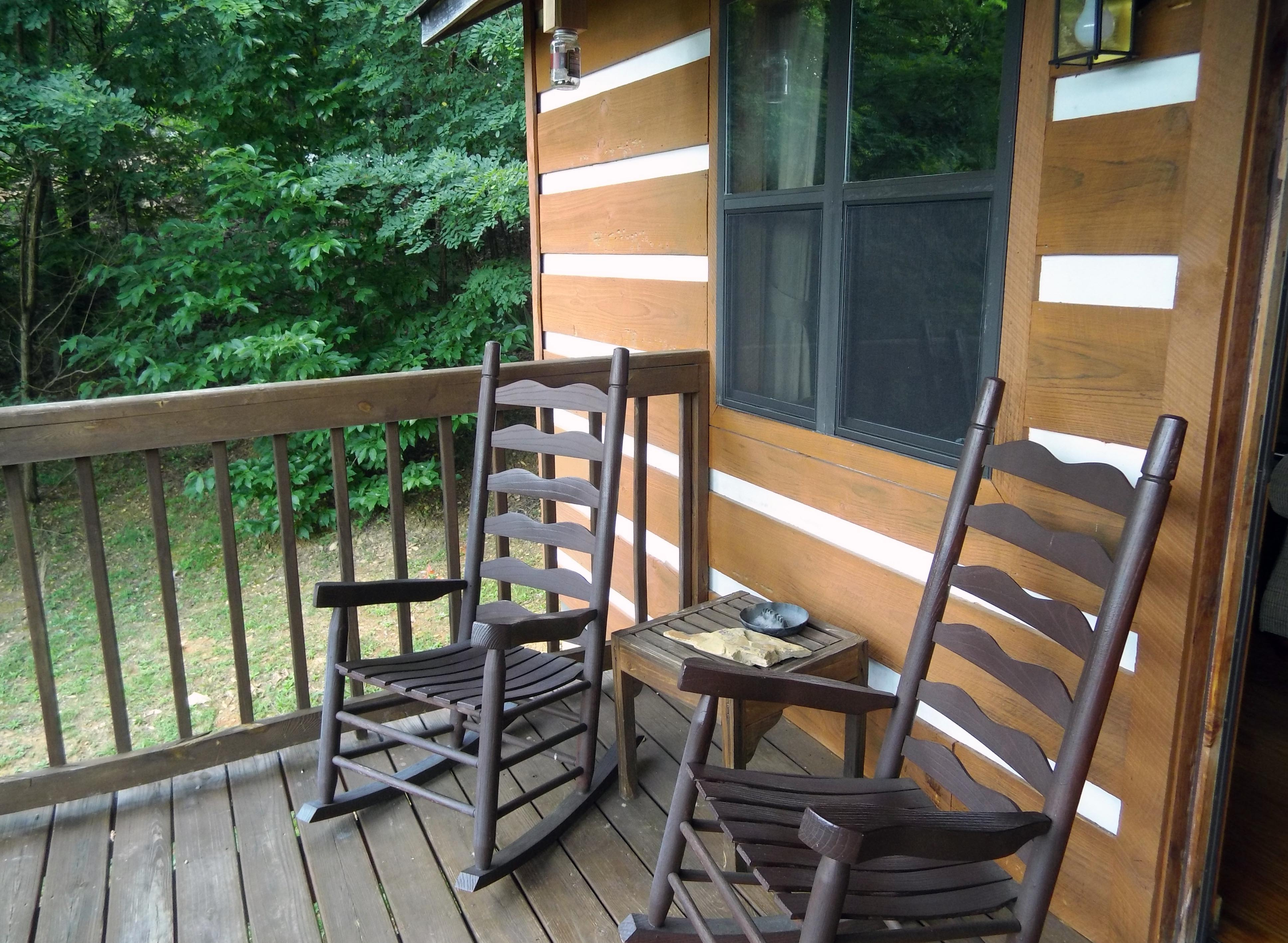 rentals w bedroom this f e rent cabins deck size tn homes house out plans plus for property in apartments b bedrooms cabin cinem gatlinburg sale at hot full three story log ski tub mountain image storey a smoky
